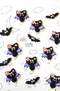Simple-Bat-Cookies-for-Halloween-Girl-bats-by-thebearfoootbaker.com_